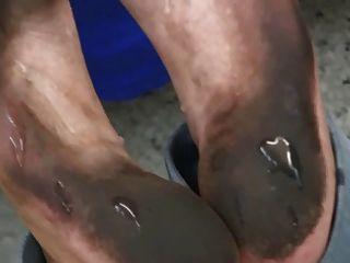 Footjob pés sujos