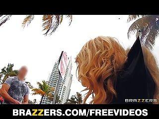 Brazzers \u0026 alexis monroe dão um novo giro ao público fucking