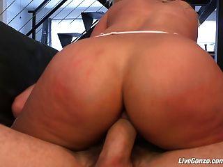 Livegonzo bridgette b busty babe apreciando sexo