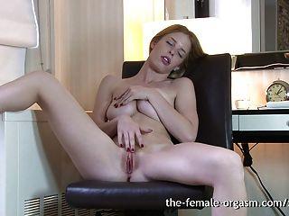 Peludo peludo natural masturba solo para orgasmos múltiplos