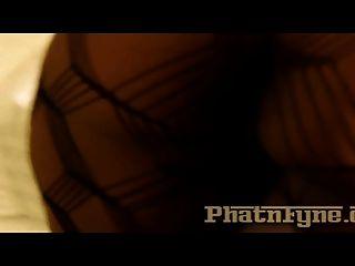 Candi calor e sinfonía vermelho e céu preto em phatnfyne.co