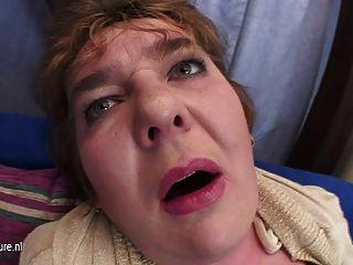 Mãe gordinha descer em seu bichano