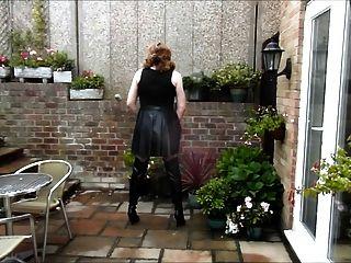 Alison wanking em pvc vestido e coxa botas