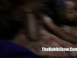 Bichano comendo amantes lésbicas lick pussy nut