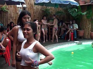 Camisas molhadas t nas Filipinas