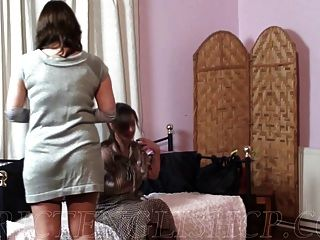 Não sua filha espancada por estar atrasada