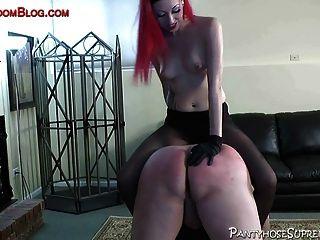 Pantyhose femdom strapon galo tortura e chicoteando