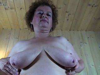 Kinky avó com fome de uma boa foda