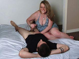 Bbw pantyhose handjob