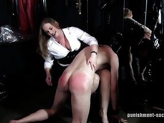 Otk spankings 1 naughty boys são espancados