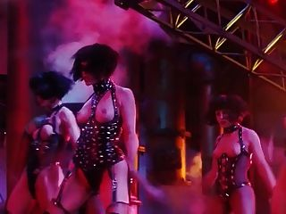 Gina gershon e elizabeth berkley nua cena de showgirls