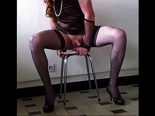 Eu comecei o treinamento intensivo para me tornar um slave slut