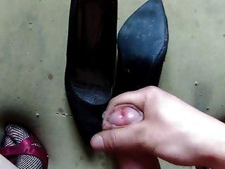 Eu na irmã sapatos e cum sapatos velhos minha irmã