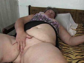 Oldnanny gordinha gorda masturbando com seu vibrador buceta