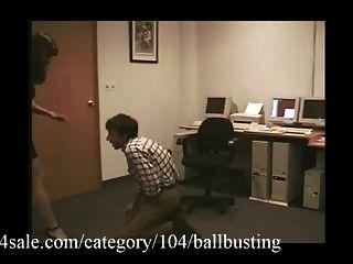 A melhor bola rebentando está em clips4sale.com