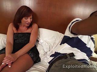 Sexy amador milf recebe teabagged e adora
