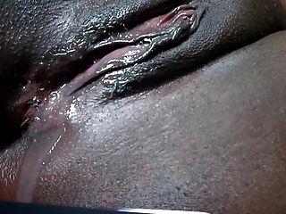 Buceta preta pingando após cumshot