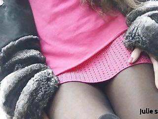 Petite salope en chinchilla fourrure \u0026 pantyhose erótico nu