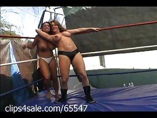 Holofotes sobre o wrestling feminino em clips4sale.com