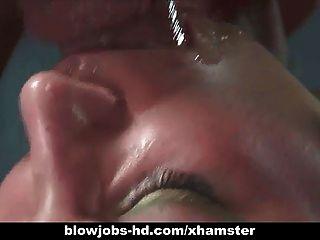 Sexy morena dá seu cara um blowjob impressionante