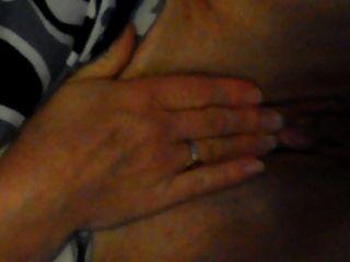 Une ex qui se masturbe