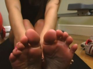 Jess footjob exercício suado oeste