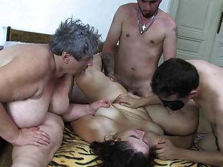 Oldnanny gordinho velho senhora, gordinho maduro e dois caras