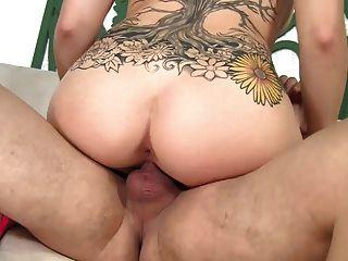 Ela adora chupar e sexo bom