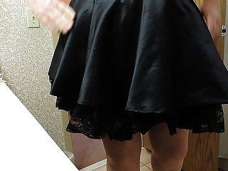 Sissy ray em espartilho roxo e saia maids preta