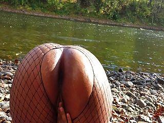 Pintainho colombiano é fodido pelo rio