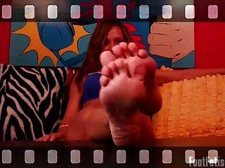 Acaricie seu pau para meus pés