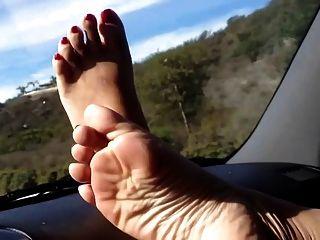 Pedal bombeamento bonito pés de meu asiático