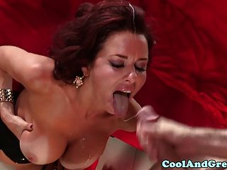 Busty milf veronica avluv pounded grosseiramente