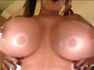 Papa big breasted milf fica titty fodido