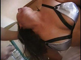 British slut jenny loveitt dá um blowjob desagradável