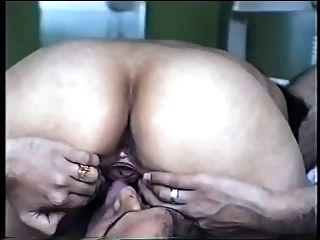 Casal indiano video sexo caseiro