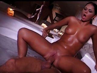 Francês fuck casal na banheira