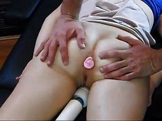 Pai massageado e fodido não sua filha