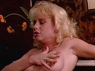 Ona zee americano clássico orgia 80s