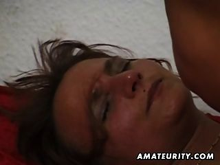 Amador mulher madura suga e fode com cum na boca