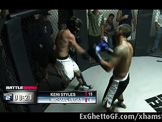Black slut fucked por um lutador mma