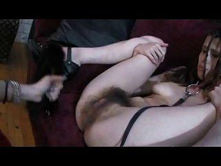 Transexual fode garota peluda