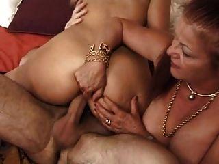 Francês maduro 16 peludo anal mamãe milf loira babe threesome
