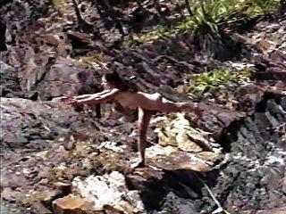 Desnudo esporte ioga naturalmente nu