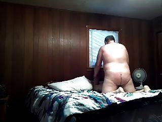 Urso raças tatted chaser ass