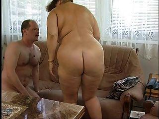 Magnífica gordura titted peludo avó