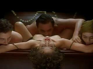 Alyssa milano abraço do vampiro