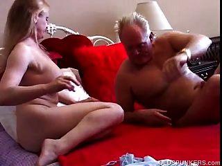 Bela big tits milf adora foder