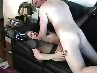 Madura fodido duro no sofá