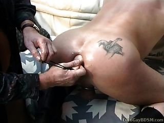 Horny guy fica longa linha de grandes bolas suaves até seu burro
